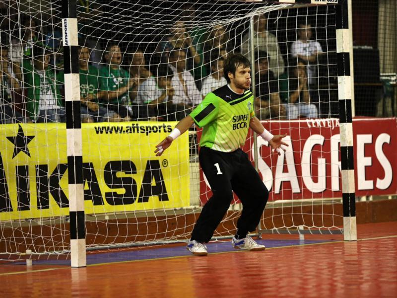 3116481ac6838 Futsal  João Benedito renova contrato com o Sporting
