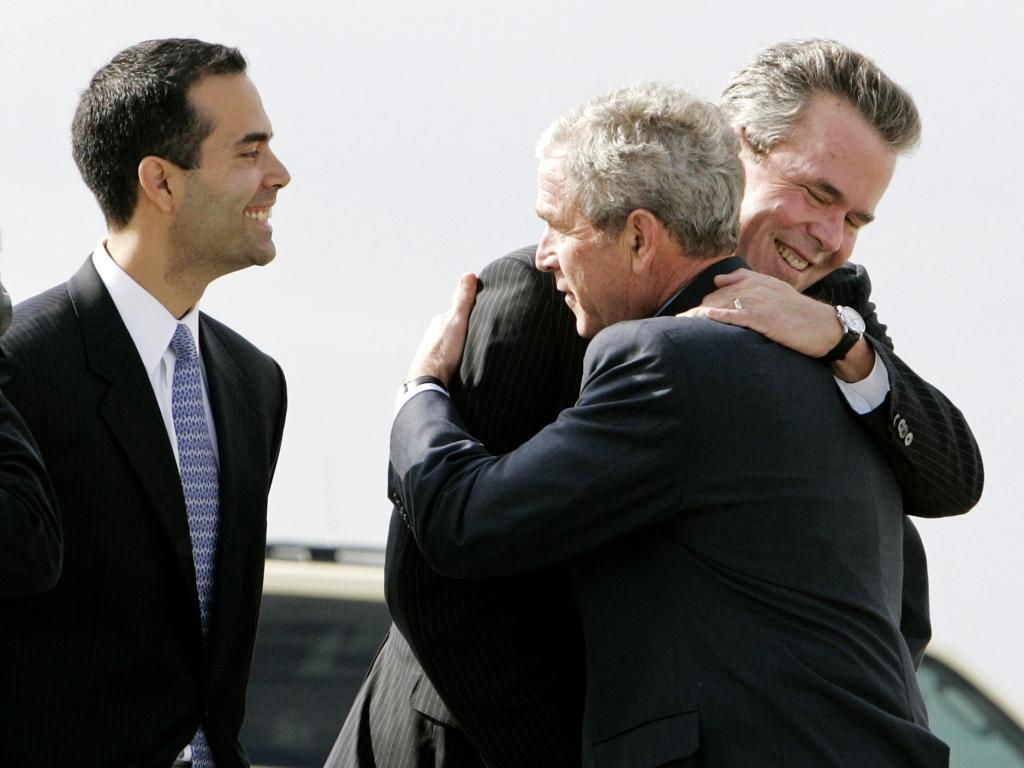 George P, um terceiro Bush na calha: o pai Jeb e o tio George W.