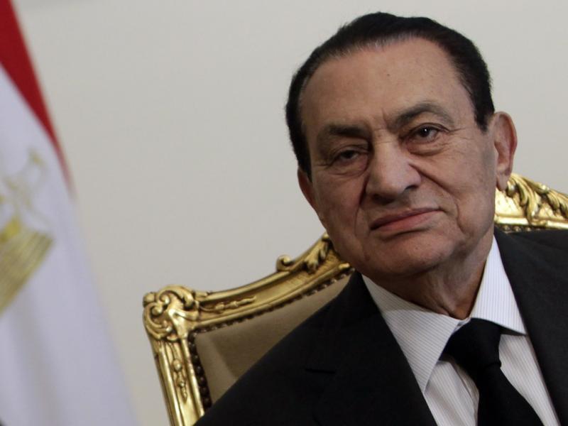 Hosni Mubarak no encontro com o presidente dos Emirados Árabes Unidos, Sheikh Abdullah bin Zayed al-Nahayan no palácio presidencial em Cairo, 8 de Fevereiro de 2011 (foto:Reuters)