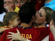 Alvaro Arbeloa com Carlota Ruiz - Seleção espanhola vence Euro2012 Foto: Reuters