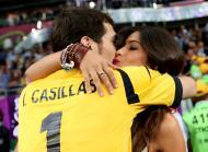 Iker Casillas e Sara Carbonero - Seleção espanhola vence Euro2012 Foto: Reuters