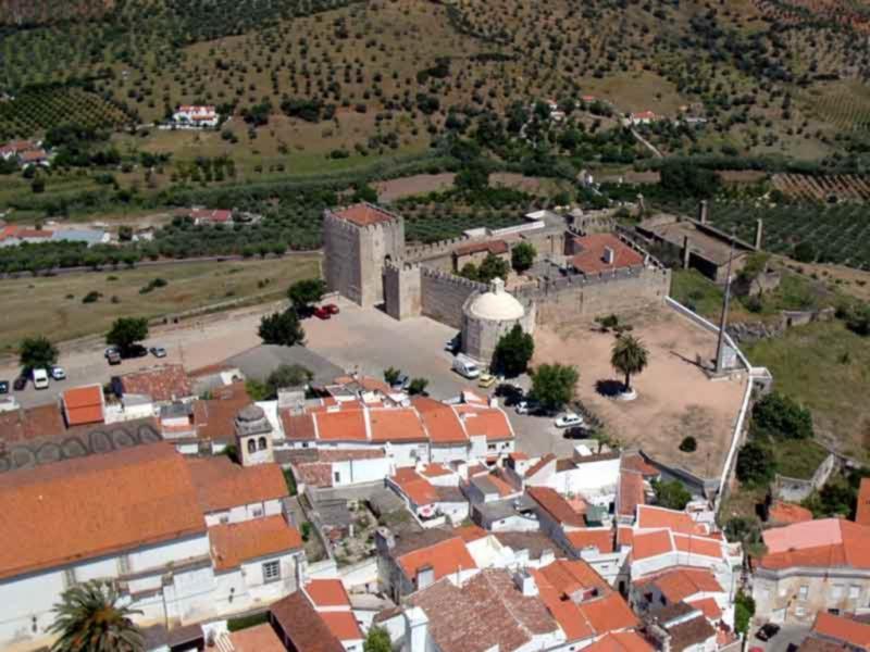 Fortificações de Elvas, Portugal: a Unesco chama-lhes «o maior sistema de fortificações abaluartado do mundo»; classificação inclui fortes, fortins, muralhas e o Aqueduto da Amoreira