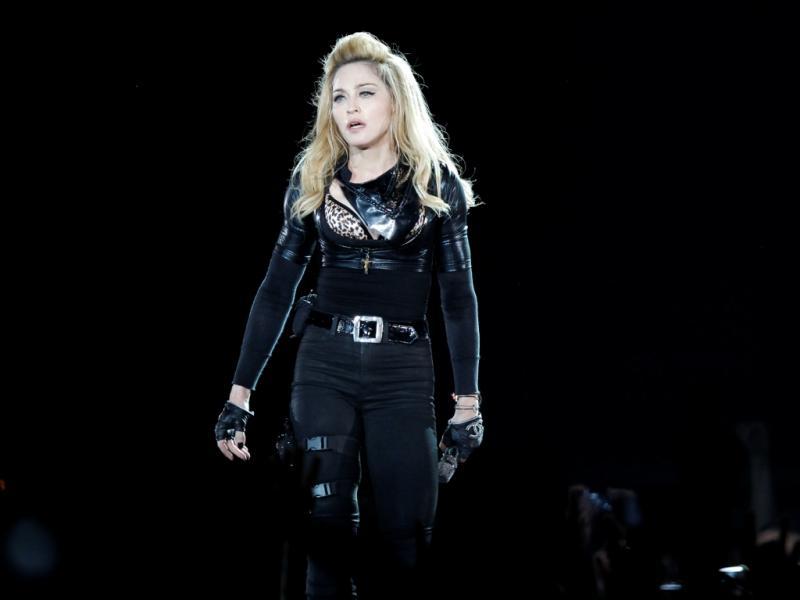Madonna em Paris [Foto: Reuters]