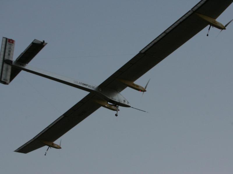 Avião solar completa voo intercontinental