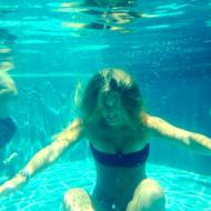 Bar Refaeli partilha fotos das férias no Instagram