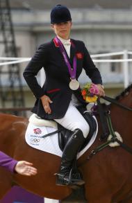 Zara Phillips conquista primeira medalha olímpica da família real Foto: Reuters