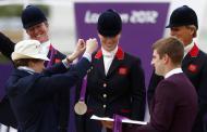 Zara Phillips e Princesa Ana - Zara Phillips conquista primeira medalha olímpica da família real Foto: Reuters