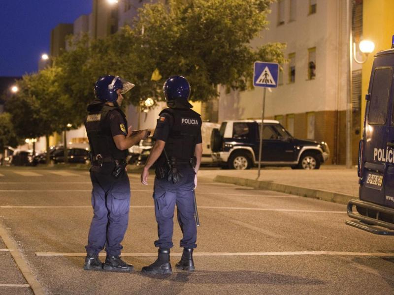 PSP faz rusgas e fecha bairro Casal da Mira (Lusa/António Cotrim)