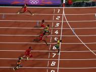 Usain Bolt sobre a meta na final: já não havia dúvidas