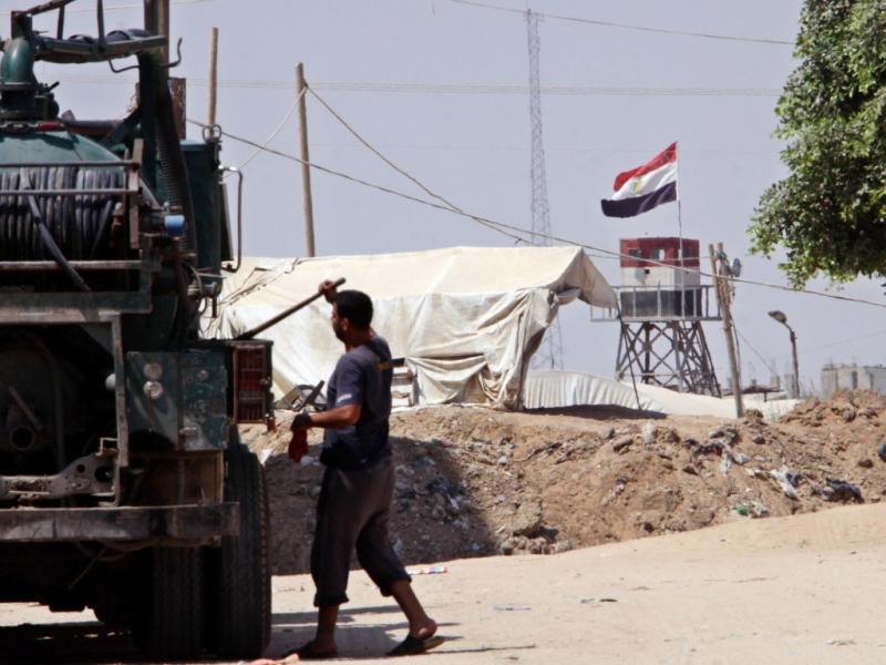 Fronteira de Rafah, entre o Egito e Gaza (EPA/MOHAMMED SABER)