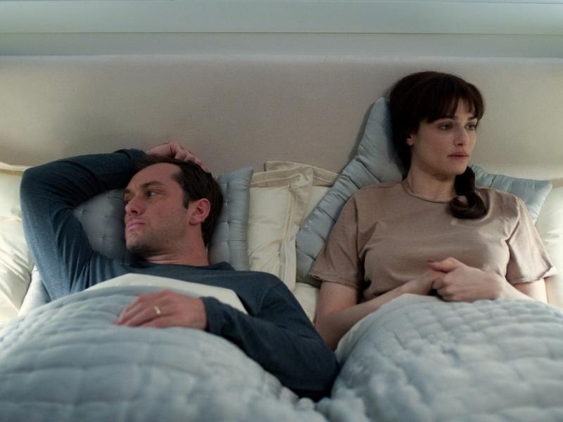 Jude Law e Rachel Weisz em «360»