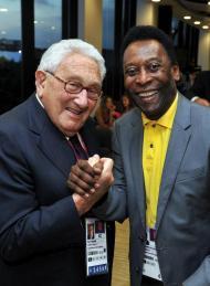 Henry Kissinger e Pelé - Cerimónia de encerramento dos Jogos Olímpicos Londres2012 Foto: Reuters