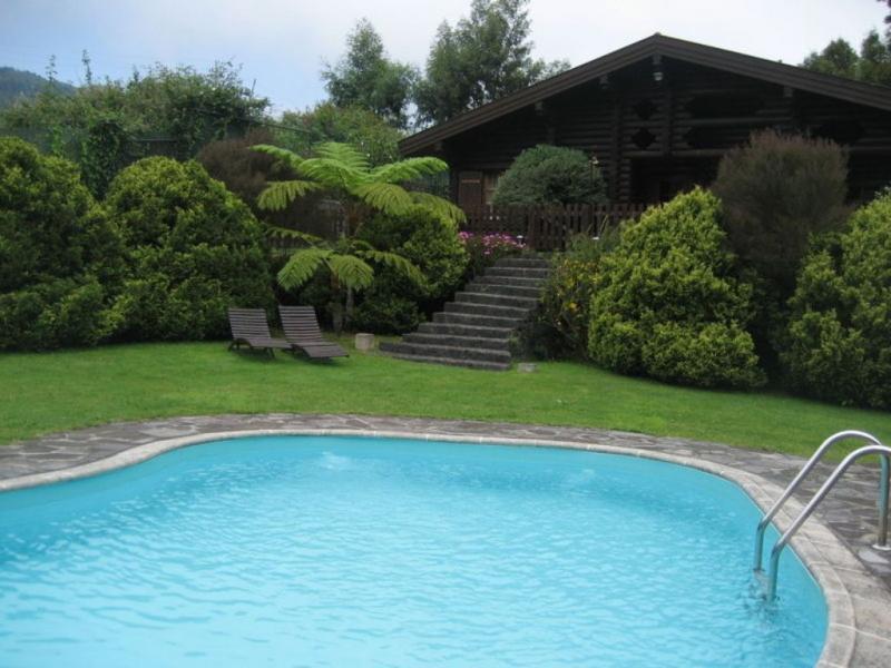 Turismo rural com piscina para mergulhar (foto do site oficial da Quinta das Eiras)