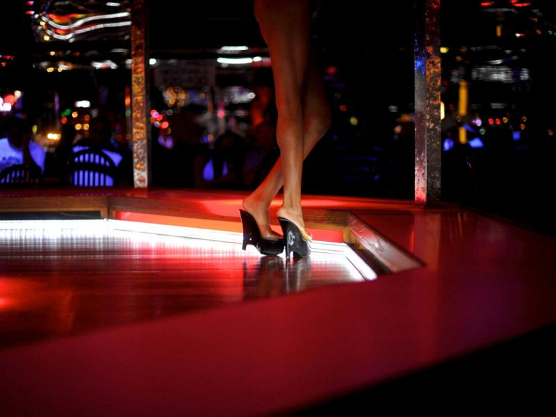 Visita a um clube de strip (Reuters)