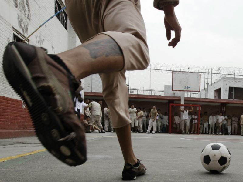 Presos por crimes, libertados pelo desporto