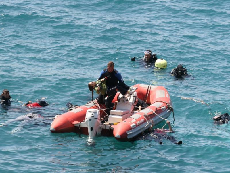 Dezenas de mortos em naufrágio de barcos com imigrantes ilegais (Reuters)