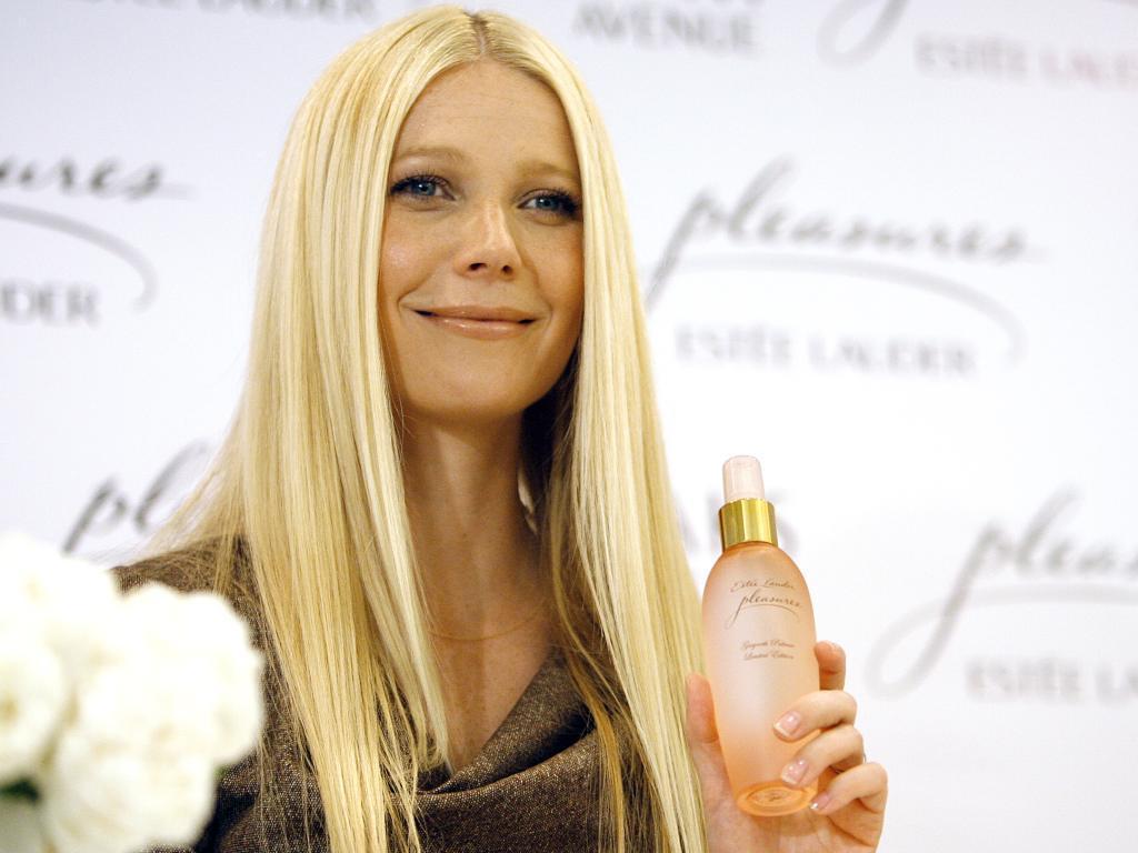 Gwyneth Paltrow apresenta o seu perfume, Pleasures, em Beverly Hills - 2006 (Reuters)