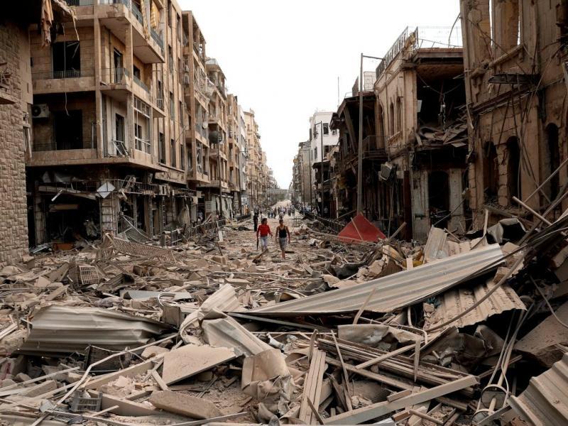 Série de atentados mata dezenas em Alepo [EPA]