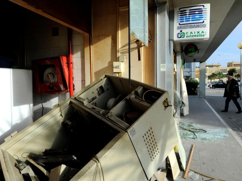 Explosão de Multibanco em Matosinhos (FERNANDO VELUDO/LUSA)