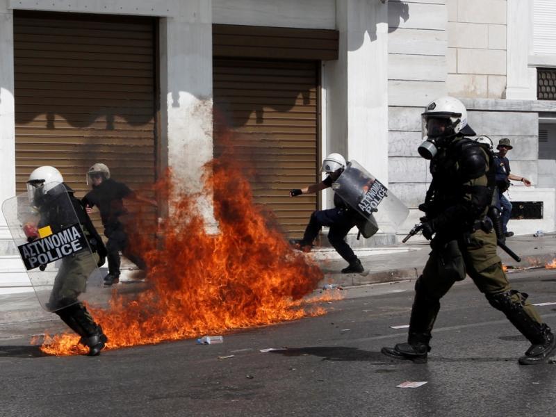 Confrontos em Atenas (Reuters)