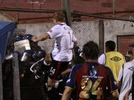 Confusão em jogo entre o Cerro Porteno e o Colón (Reuters/Jorge Adorno)