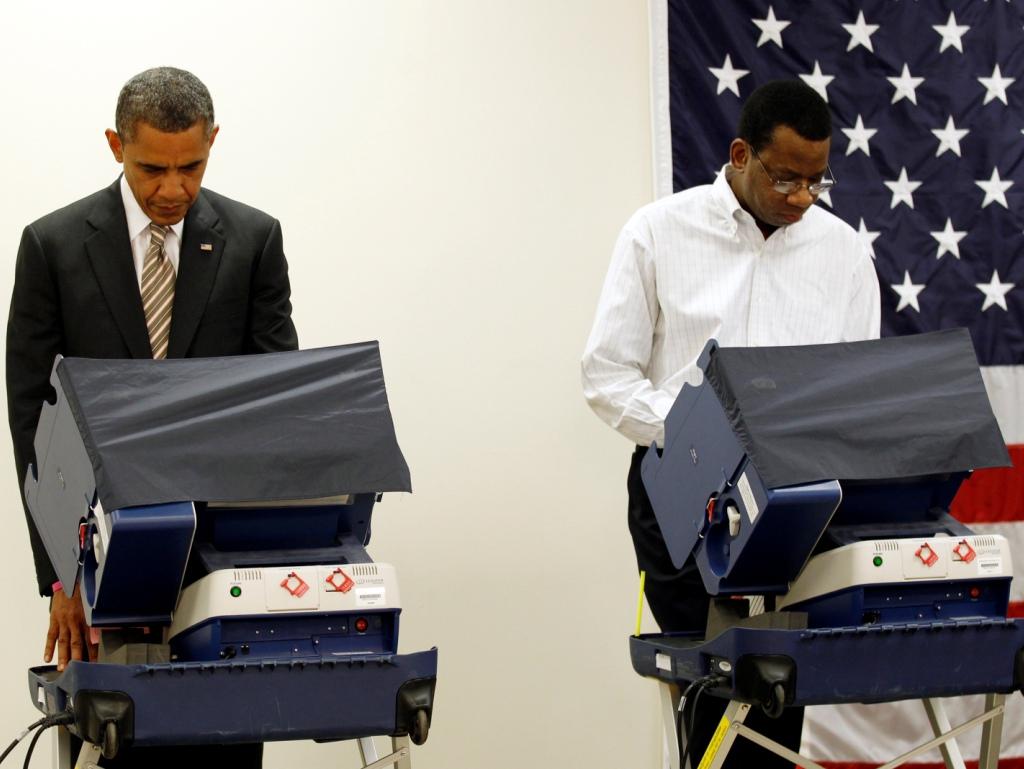 Obama já votou em Chicago (Reuters)