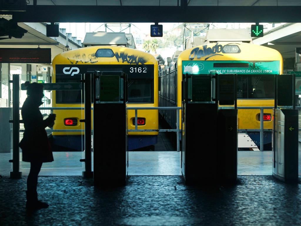 Comboios (Lusa/EPA)