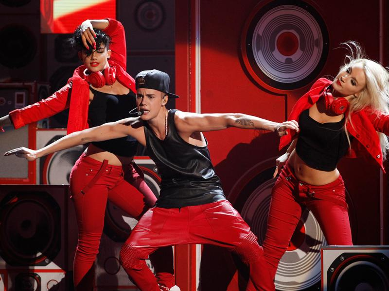Justin Bieber nos American Music Awards (Foto: Reuters)