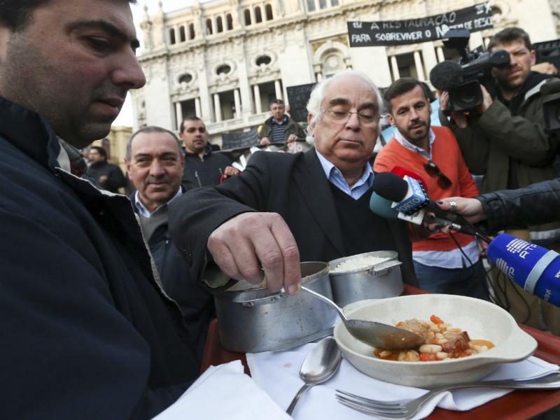 Empresários da restauração manifestam-se contra IVA a 23% (José Coelho/Lusa)
