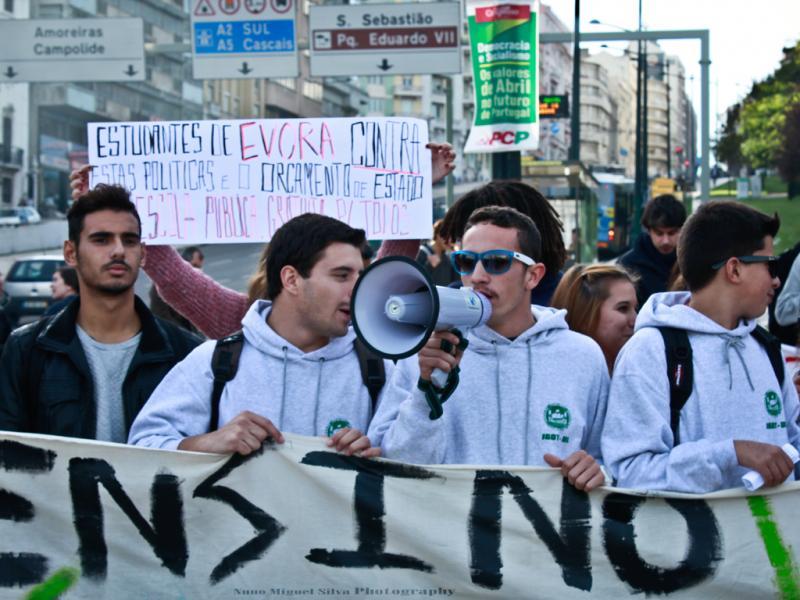 Manifestação dos Estudantes do Ensino Superior contra os cortes na Educação (Foto: Nuno Miguel Silva)