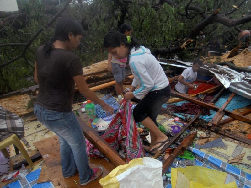 Tufão causa vários danos nas Filipinas (Reuters)