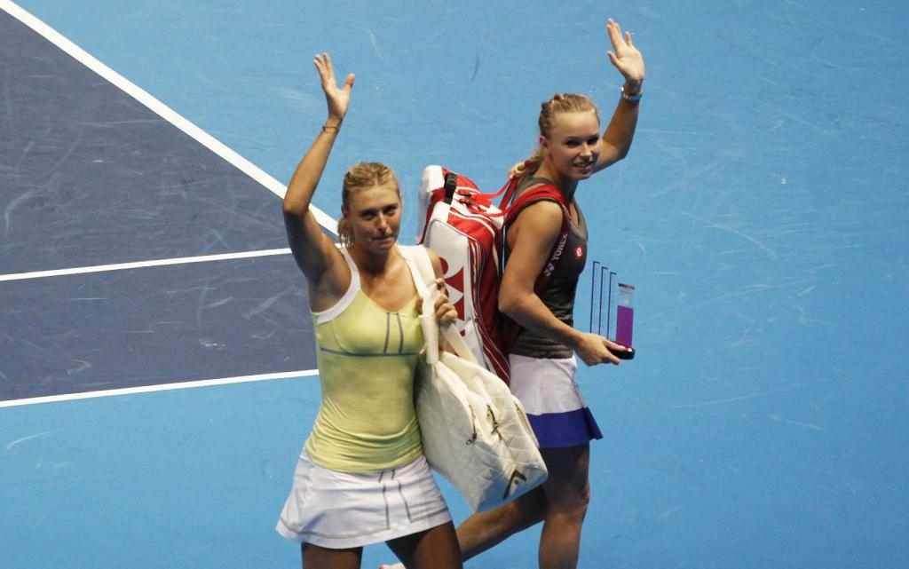 Wozniacki aumenta o peito e imita Serena Williams (Reuters/Nacho Doce)