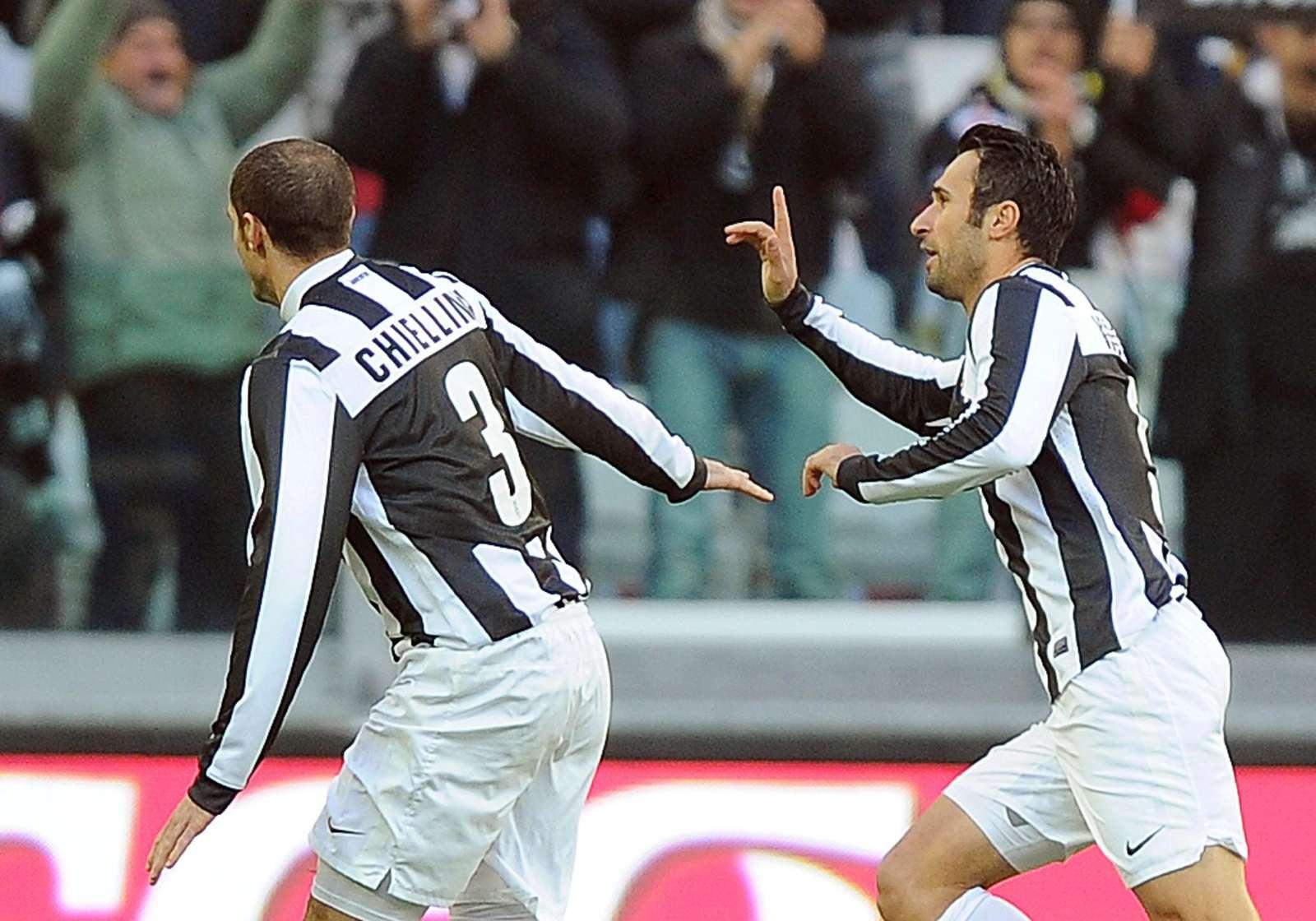 Vucinic marca para a Juventus (Lusa)