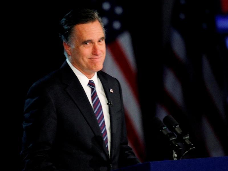 «Não sei por que não as abrem. É um problema grave». Mitt Romney sobre as janelas dos aviões. Jornalista veio depois garantir que era só uma piada.