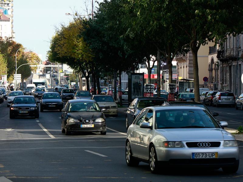 Trânsito (Foto: Nuno Miguel Silva)
