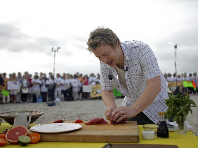 Receias de Jamie Oliver têm excesso de calorias (REUTERS/ERIC THAYER )
