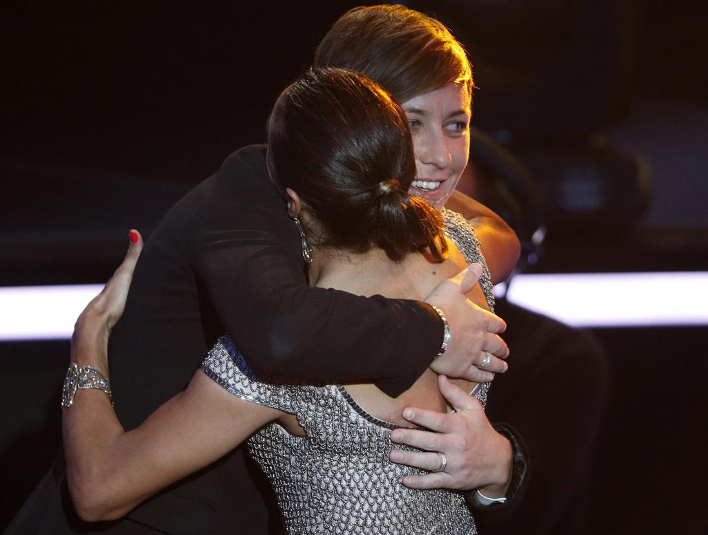 Marta do Brasil e Abby Wambach - FIFA Bola de Ouro 2012 Foto: Reuters