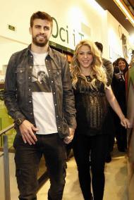 Shakira e Piqué - Shakira apresenta livro do pai em Barcelona Fotos: Lusa
