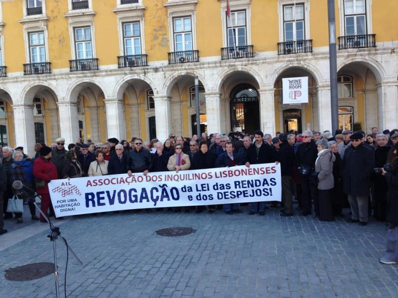 Inquilinos manifestam-se em Lisboa contra lei das rendas