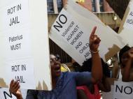 Pistorius: manifestações à porta do tribunal