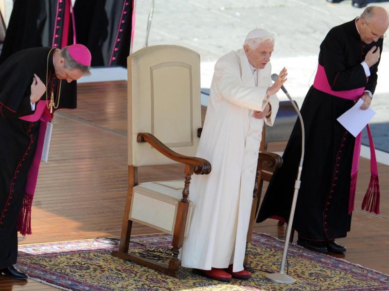 O adeus do papa Bento XVI (EPA/ETTORE FERRARI)