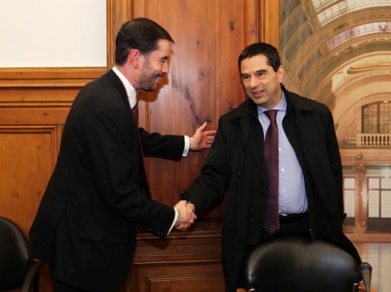 Miguel Frasquilho e Vítor Gaspar (LUSA)