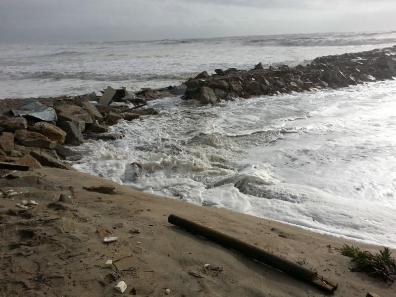 Mau tempo: derrocada de bar de praia em Esposende (EU VI, Paula Nozes)