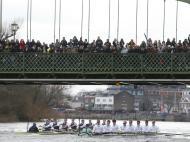 Na mítica etapa de Remo, Oxford bateu Cambridge, no Tamisa