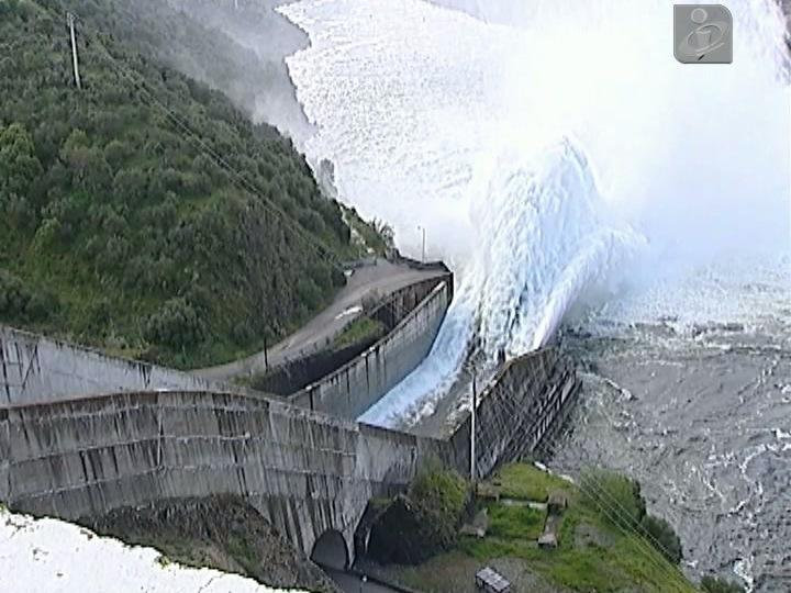 Barragem do Alqueva na capacidade máxima