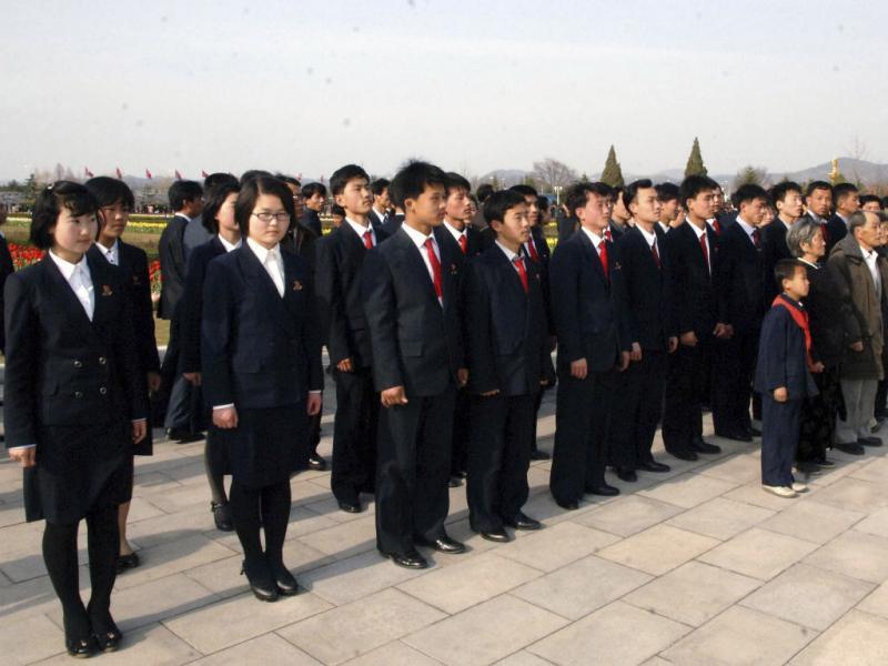 Coreia do Norte celebra aniversário de fundador (Reuters)