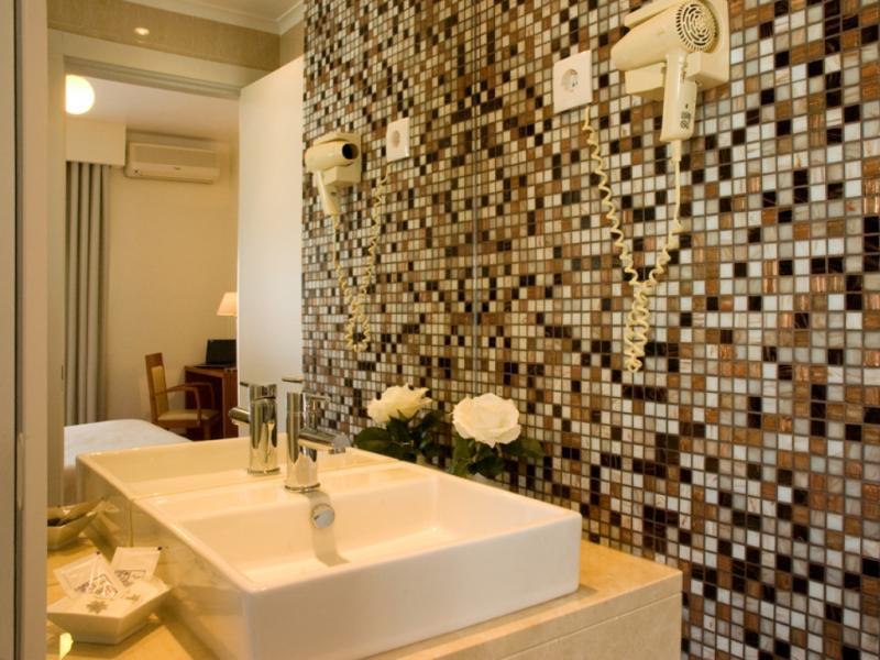 Hotel Lagoa dos Pastorinhos (Fátima) entre os 10 melhores alojamentos low cost em Portugal