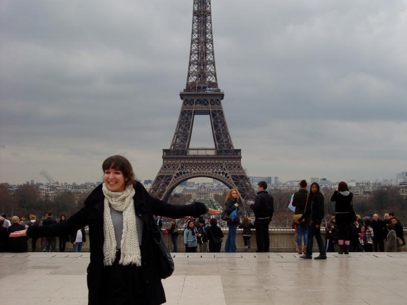 Lara Silveira, 25 anos, é «emigrante» há 7 anos. Dos Açores foi para Coimbra, depois Lisboa, depois Paris. Agora, vive em Londres