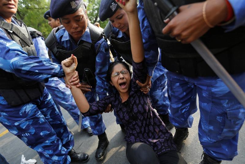 Protestos contra violações em Nova Deli (Reuters)