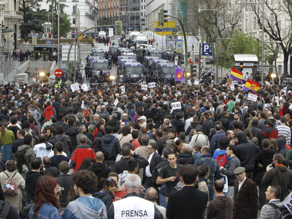 Protesto «assédio ao parlamento» em Madrid [EPA]